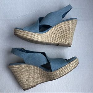 AMERICAN EAGLE Wedge Sandals | 9